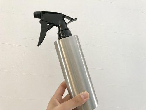 ステンレス製のスプレーボトル
