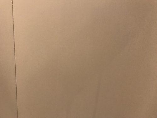 激泡バスクリーナーを吹き付けた壁