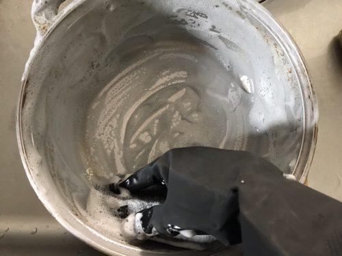 ハイホームで洗って泡だった無水鍋
