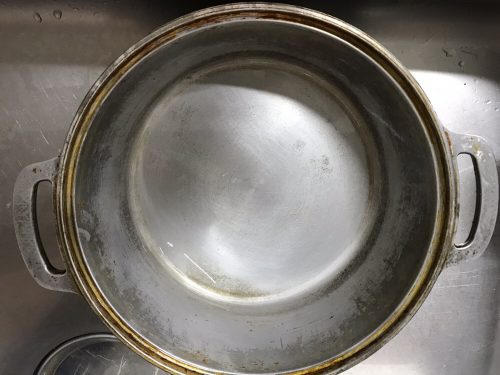 オキシクリーンから出した直後の無水鍋